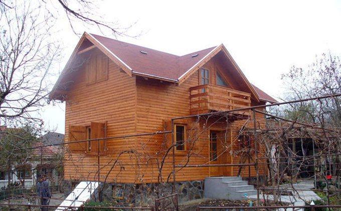 Constructie casa de weekend din lemn