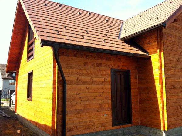 Casa de locuit ecologica construita din grinzi chertate - Poza 7