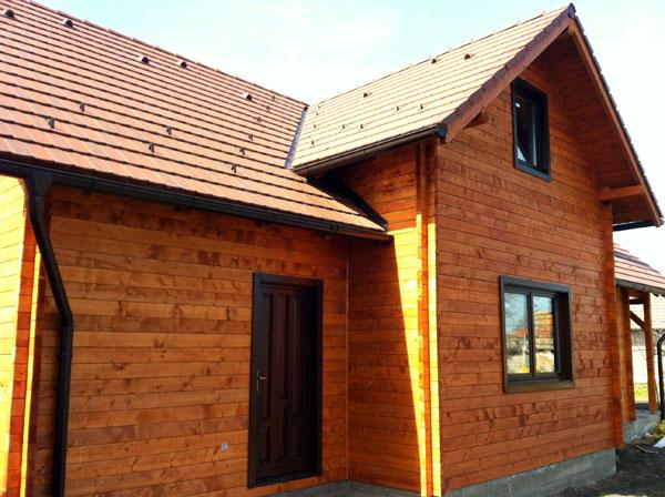 Casa de locuit ecologica construita din grinzi chertate - Poza 8