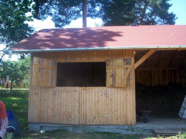 Sura cu grajd din lemn - imagine 3