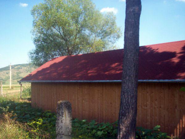 Sura cu grajd din lemn - imagine 5