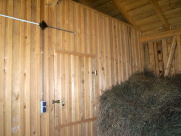 Sura cu grajd din lemn - imagine 9