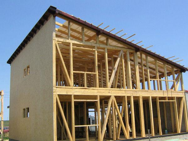 Casa pe structura de lemn cu pereti tip sandwich 3